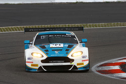 #44 Oman Racing Team Aston Martin Vantage GT3: Rory Butcher, Ahmad Al Harthy, Стефан Мюке