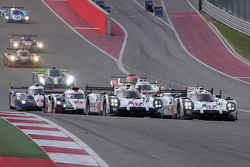 Start: #18 Porsche Team Porsche 919 Hybrid: Romain Dumas, Neel Jani, Marc Lieb leads