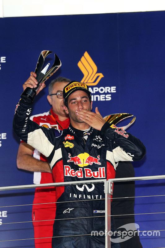 Daniel Ricciardo, Red Bull Racing viert tweede plaats op het podium