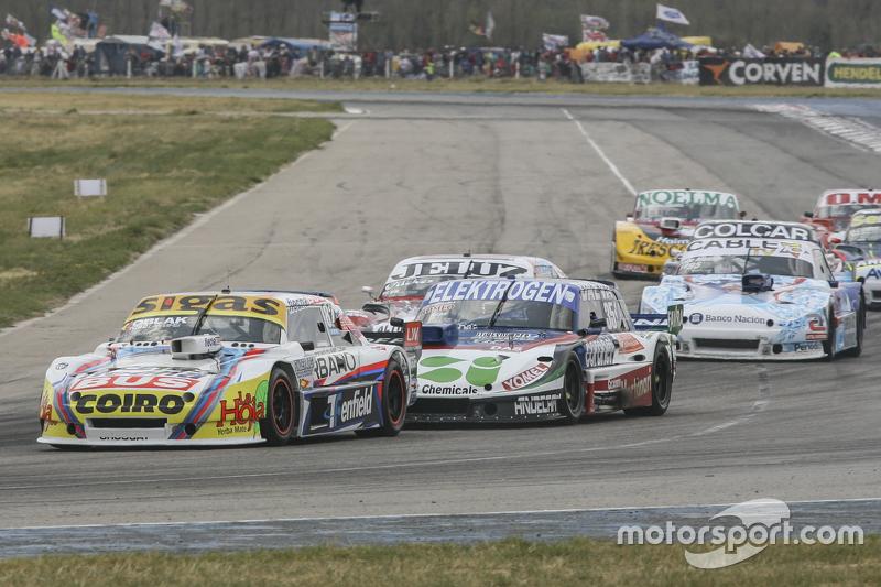 Маурісіо Ламбіріс, Coiro Dole Racing Torino та Матіас Нолезі, Nolesi Competicion Ford та Федеріко Алонсо, Taco Competicion Torino
