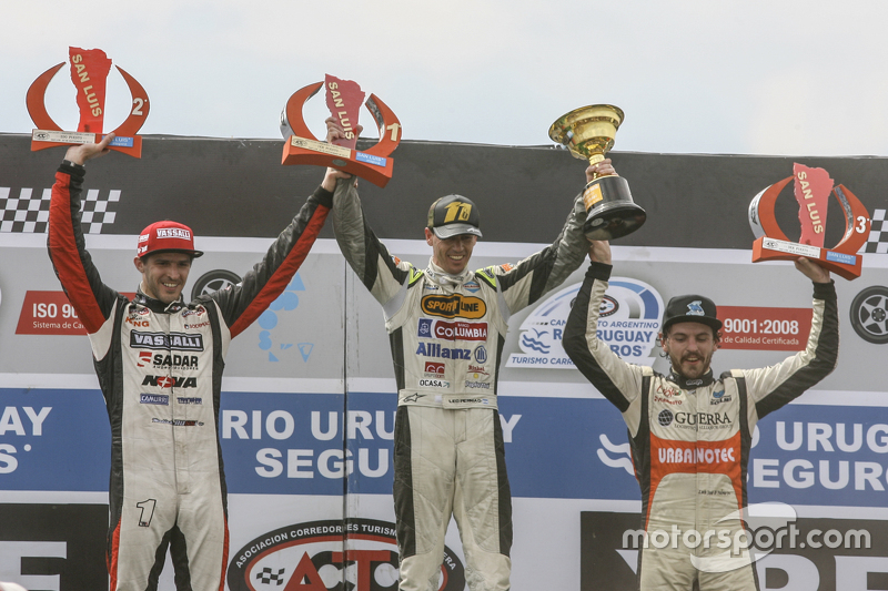 Podium #1 Leonel Pernia, Las Toscas Racing Chevrolet #2 Matias Rossi, Donto Racing Chevrolet #3 Josito di Palma, CAR Racing Torino