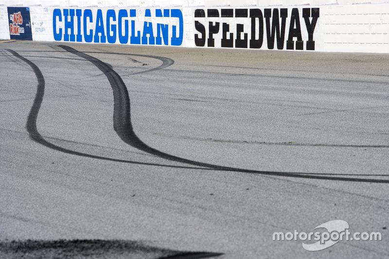 Burnout residue from winner Денні Хемлін, Joe Gibbs Racing Toyota