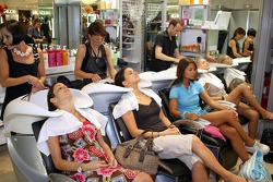 Formula Unas girls visit a beauty salon: Estefania Bejarano, Mina Zakipour, Paola Rimires and Katja Semenova