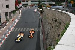 Giancarlo Fisichella, Renault F1 Team, R27 and Christijan Albers, Spyker F1 Team, F8-VII