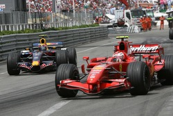 Mark Webber, Red Bull Racing, RB3, retired from the race