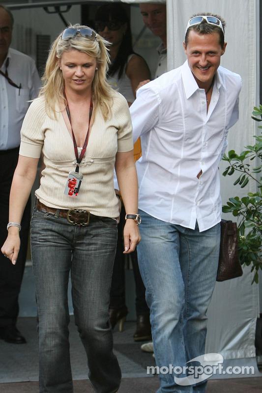 Michael Schumacher Conseiller Scuderia Ferrari Et Corina