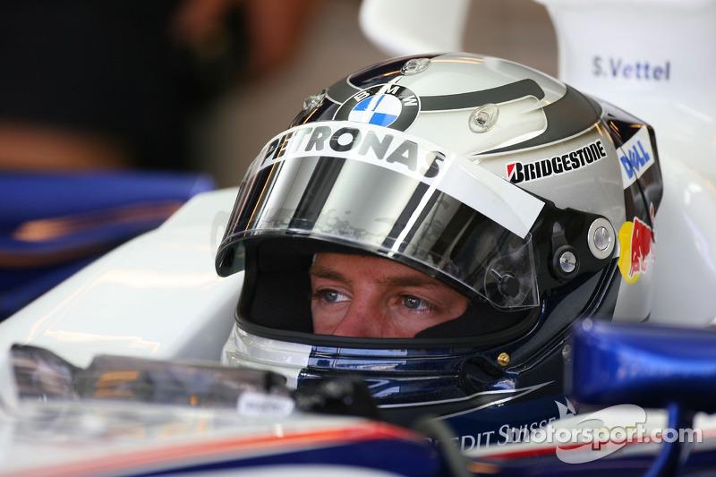 Себастьян Феттель, тест-пілот, BMW Sauber F1 Team в боксах