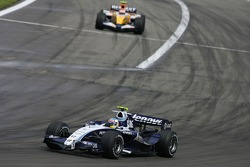 Alexander Wurz, Williams F1 Team, FW29 and Heikki Kovalainen, Renault F1 Team, R27