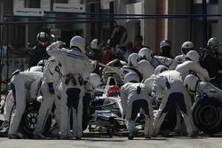 Robert Kubica, BMW Sauber F1 Team, F1.07 pit stop