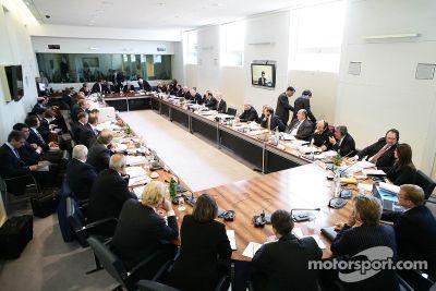 Audiencia del World Motorsport Council, McLaren vs Ferrari, París