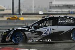 Spin for #21 Matt Connolly Motorsports Pontiac GTO.R: Keith Rossberg, Lara Tallman
