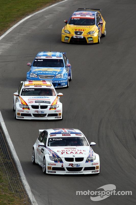 Andy Priaulx, BMW Team UK, BMW 320si WTCC, Felix Porteiro, BMW Team Italy-Spain, BMW 320si WTCC, Robert Huff, Team Chevrolet, Chevrolet Lacetti, Jordi Gene, SEAT Sport, SEAT Leon