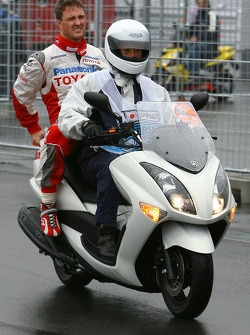 Ralf Schumacher, Toyota Racing, returns to the paddock after crashing in qualifying