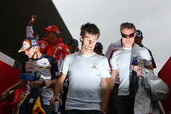 l-r, Heikki Kovalainen, Renault F1 Team, Mark Webber, Red Bull Racing and David Coulthard, Red Bull Racing