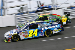 Jeff Gordon battles with Mike Wallace
