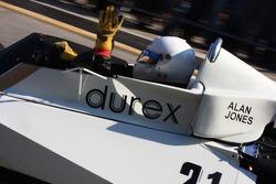 Surtees TS 19, Alan Jones