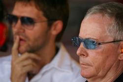 David Robertson ve Steve Robertson, managers, Kimi Raikkonen, Scuderia Ferrari