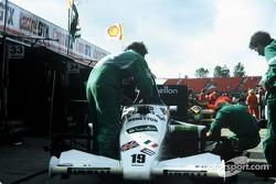 Benetton Toleman-Hart TG185 pit stop