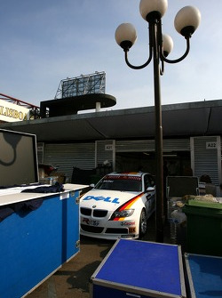 BMW Team Germany, BMW 320si WTCC still in the paddock after freight delay