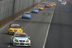 Augusto Farfus, BMW Team Germany, BMW 320si WTCC, Gabriele Tarquini, SEAT Sport, SEAT Leon