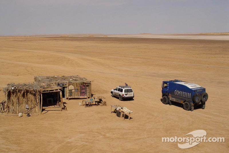 Team de Rooy en Tunez: bivouac