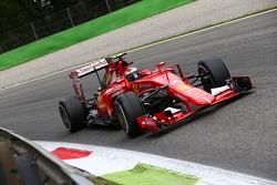 Kimi Räikkönen, Ferrari, SF15-T
