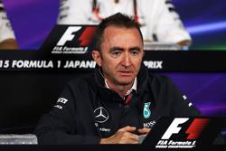 Падди Лоу, исполнительный директор Mercedes AMG F1 на пресс-конференции FIA