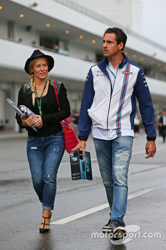 Adrian Sutil, Williams Reserve Driver with his girlfriend Jennifer Becks