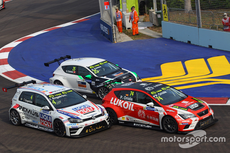 Tomas Engstrom, Volkswagen Golf TCR, Liqui Moly Team Engstler; Pepe Oriola, SEAT Leon, Team Craft-Bamboo LUKOIL; Stefano Comini, SEAT Leon, Target Competition