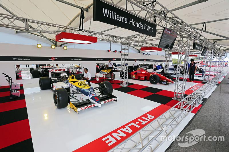 A Williams Honda FW11 on display
