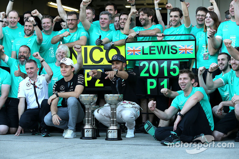 Race winner Lewis Hamilton, Mercedes AMG F1 Team, second place Nico Rosberg, Mercedes AMG F1 Team ce