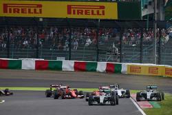 Lewis Hamilton, Mercedes AMG F1 W06 mène au départ