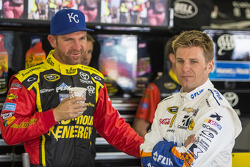 Clint Bowyer, Michael Waltrip Racing Toyota and Jamie McMurray, Chip Ganassi Racing Chevrolet