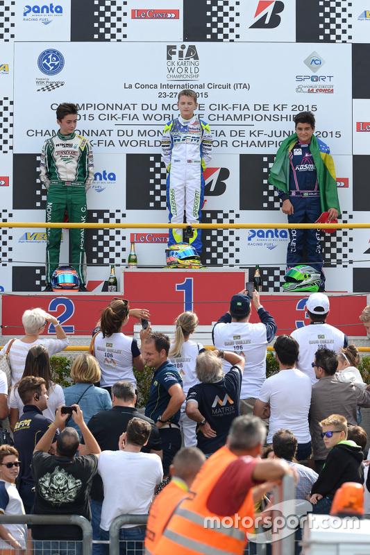 Caio Collet sobe ao pódio no Mundial de Kart
