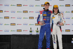 GS ganadores de carreras # 46 Fall-Line Motorsports BMW M3: Trent Hindman, Ashley Freiberg