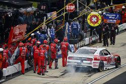 Ryan Blaney, Team Penske Ford and Regan Smith, JR Motorsports Chevrolet