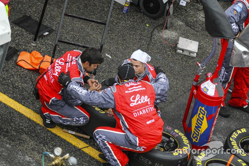 Roush Fenway Racing mechanics