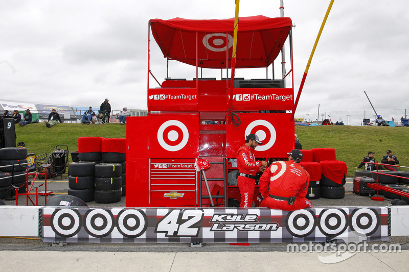Pitbox of Kyle Larson, Chip Ganassi Racing