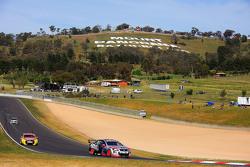 Jack Perkins en Russell Ingall, Holden Racing Team