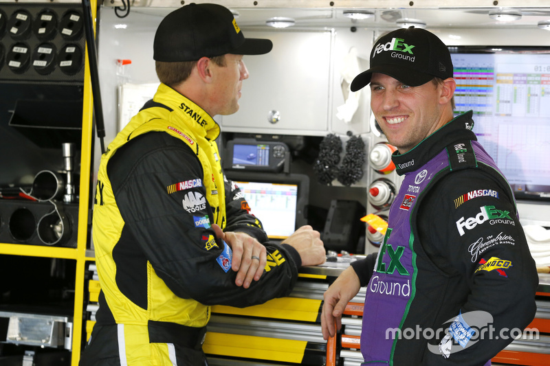 Карл Едвардс, Joe Gibbs Racing Toyota та Денні Хемлін, Joe Gibbs Racing Toyota
