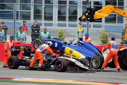 Nico Hulkenberg, Sahara Force India F1 VJM08 en Marcus Ericsson, Sauber C34 crash bij de start