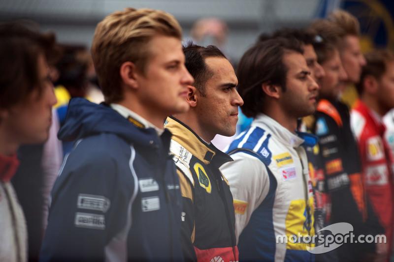 Пастор Мальдонадо, Lotus F1 Team слухають національний гімн