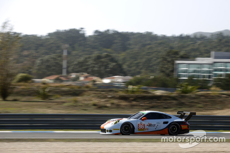 #86 Gulf Racing UK Porsche 911 RSR: Michael Wainwright, Adam Carroll, Phil Keen