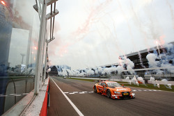 Jamie Green, Audi Sport Team Rosberg Audi RS 5 DTM, siegt beim Finalrennen 2015
