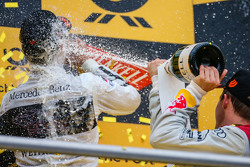 Podium de campeonato: Pascal Wehrlein, HWA AG Mercedes-AMG C63 DTM