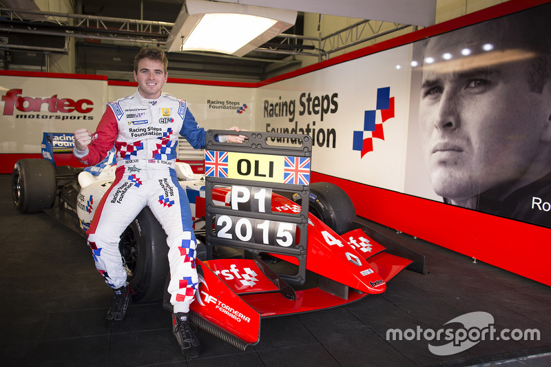 Олівер Роуланд wins 2015 Formula Renault 3.5 title