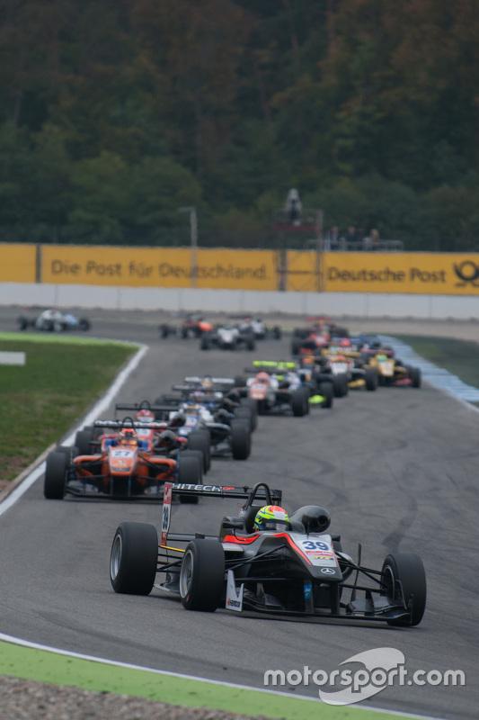 Alexander Sims, HitechGP F3, Dallara Mercedes-Benz