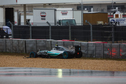 Nico Rosberg, Mercedes AMG F1 W06 spin, schade aan voorvleugel