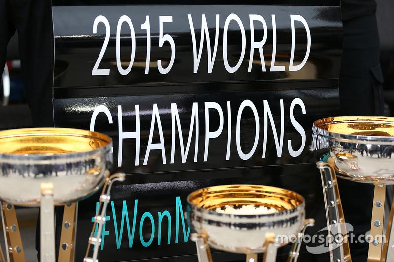 مرسيدس بطلة العالم لموسم 2015