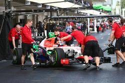 Александр Росси, Manor Marussia F1 Team в гараже